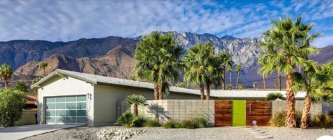 Palm Springs Chino Canyon Retreat