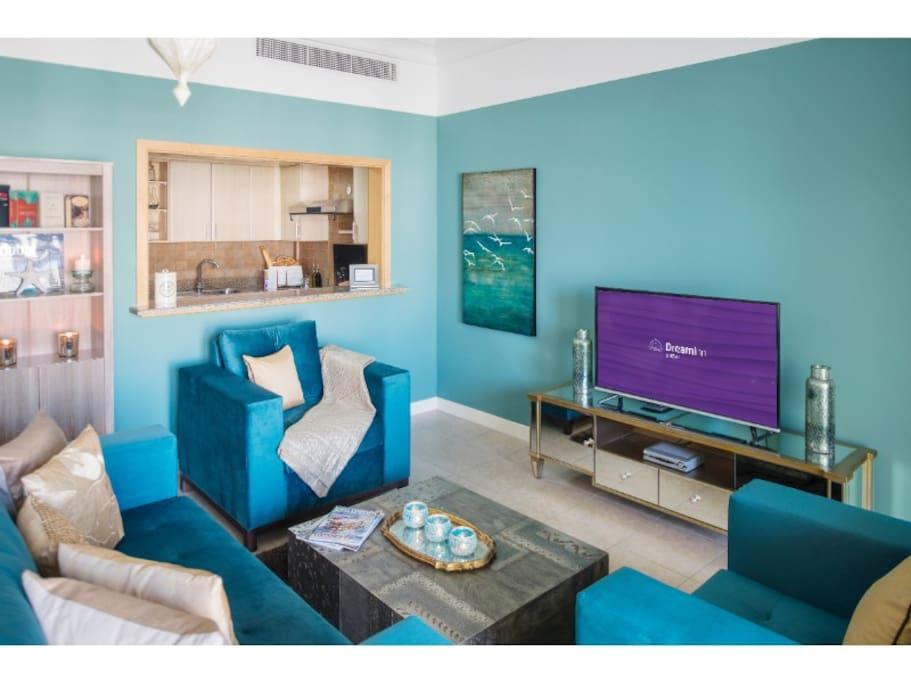 Living in Luxury-Living Room