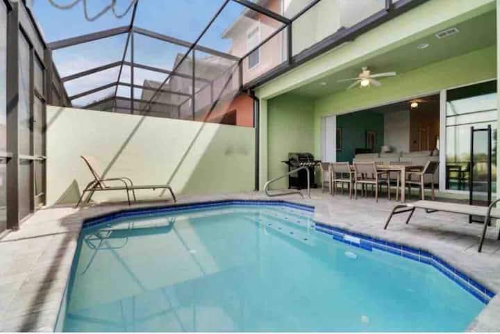 Great Location (Orlando/Davenport) No Resort fee