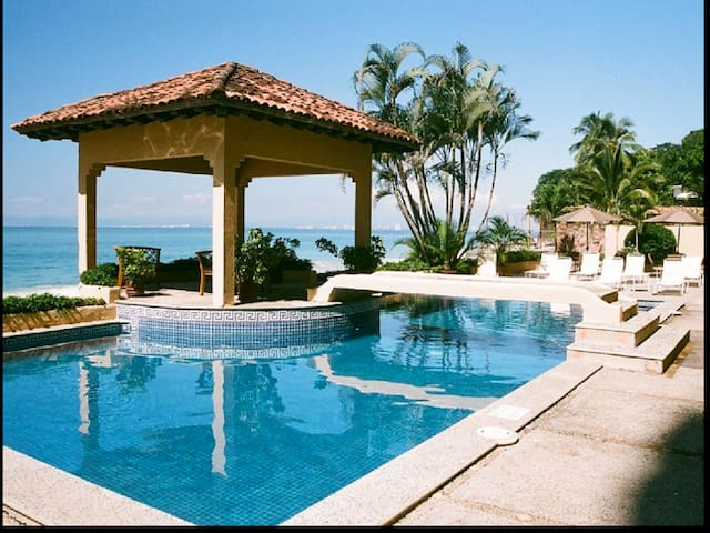 Luxurious beachfront condo in Puerto Vallarta