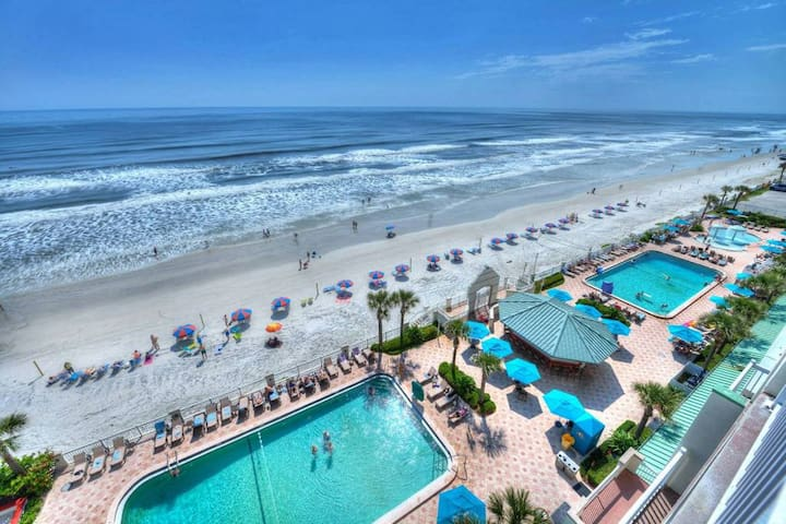 Oceanfront Daytona Beach Studio w/ 4 heated pools