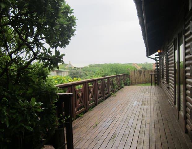 Wooden Cabin 150m from the Beach - Cape Saint Francis - Huis