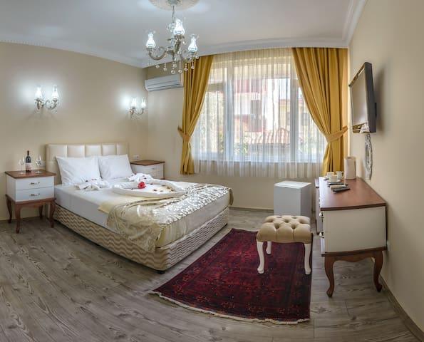 room with breakfast in oldtown(kaleiçi)in Antalya