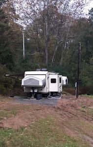 Camper pad, RV pad, WiFi, full hookups  30/50 amp!