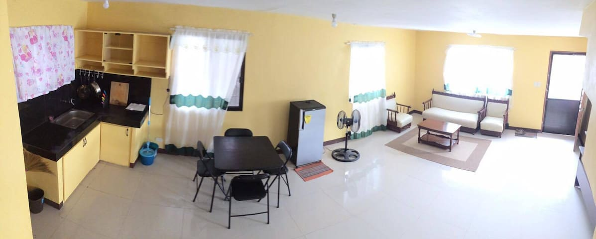 Pines Mansion-3bedrooms,10mins to Gaisano&the city - Butuan City - House