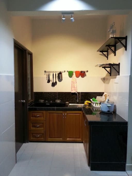 Fully equipped kitchen and cooking is allowed
