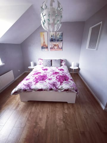Large double room with exterior view
