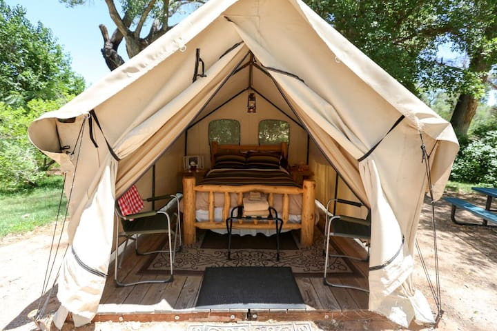 Creekside Canvas Tent In Downtown Oasis - QUEEN