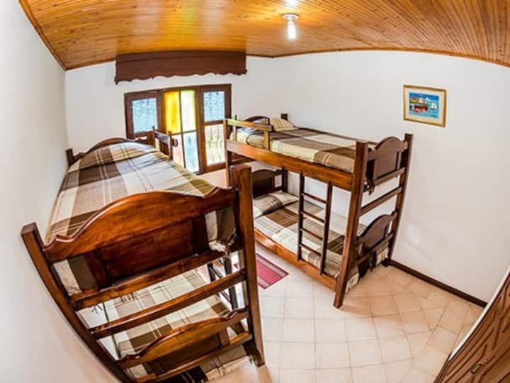 Hostel Los Juanes Hab. compartidas