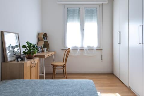 Nouvelle chambre avec salle de bain privée près de l'hôpital