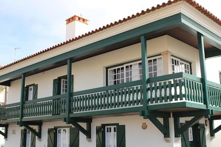 Casa do Mar -Belle maison traditionnelle sur Plage - Marinha Grande