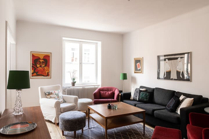 Live the SOFO Life in Cozy, Modern Apartment