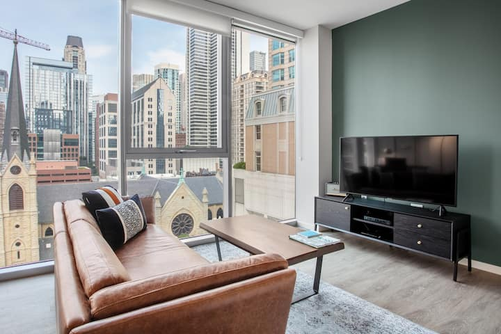 Lux River North 2BR w/ Gym, W/D, BBQ, Pool, near Mag Mile, by Blueground