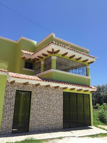 Casa Limón - Dormitorio Quetzal