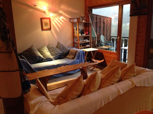 Beautiful, cozy self catering apartment in alps - Saint-Jean-d'Aulps - Appartement