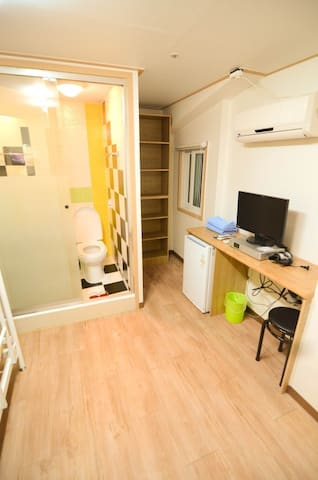 Cozy and Clean Private Single Room in Gangnam