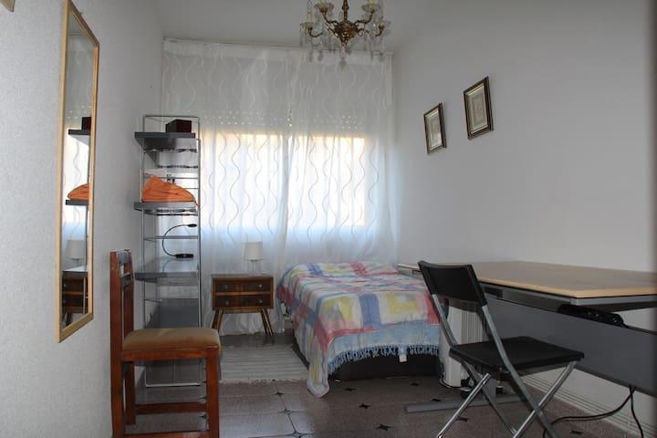 Habitaciones en chalet pareado - Alpedrete - ทาวน์เฮาส์