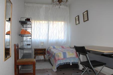 Habitaciones en chalet pareado - Alpedrete