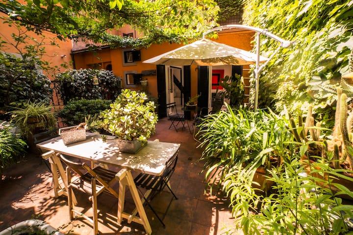 Trastevere Garden Hideaway