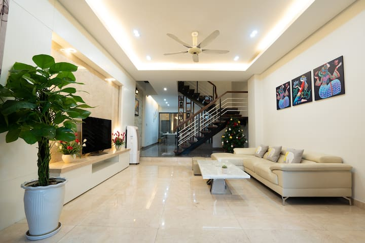Luxury villa 5BRs@Han river-Close to Dowtown