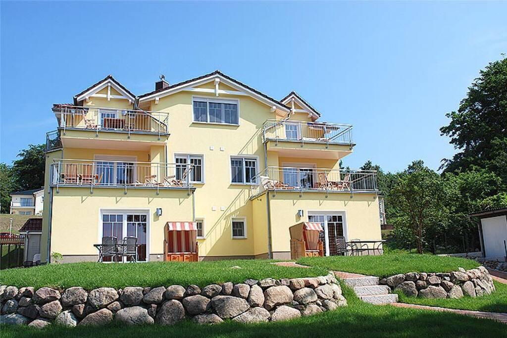 Blick auf die Villa am Meer im Ostseebad Sellin auf Rügen