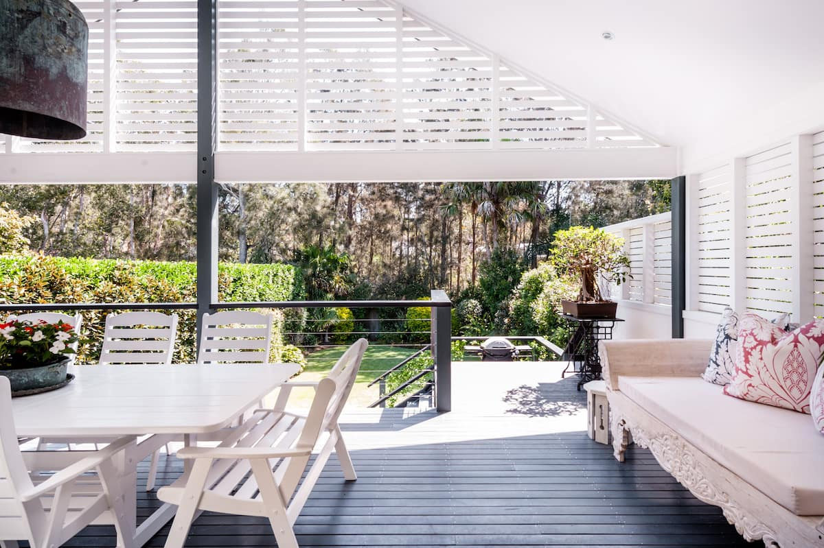Catalina - Avalon Beach House Surrounded by Tranquil Gardens