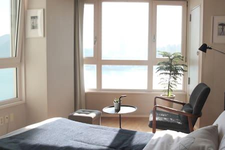 #09 [OPEN]광안리 오션뷰, 해변바로앞 OceanView /Beachfront - 부산광역시, KR