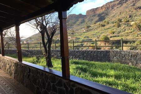 Las Fuentes de Chira - San Bartolomé de tirajana  - B&B
