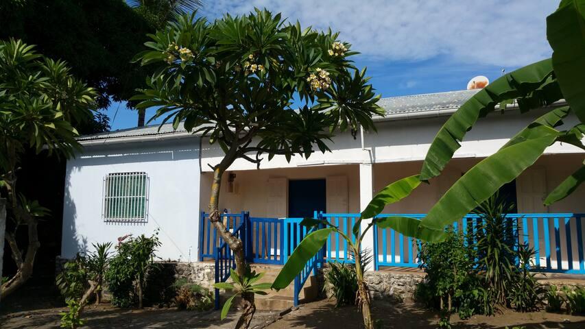 Petite Case Mahoraise centre ville de Labattoir - Labattoir - Talo
