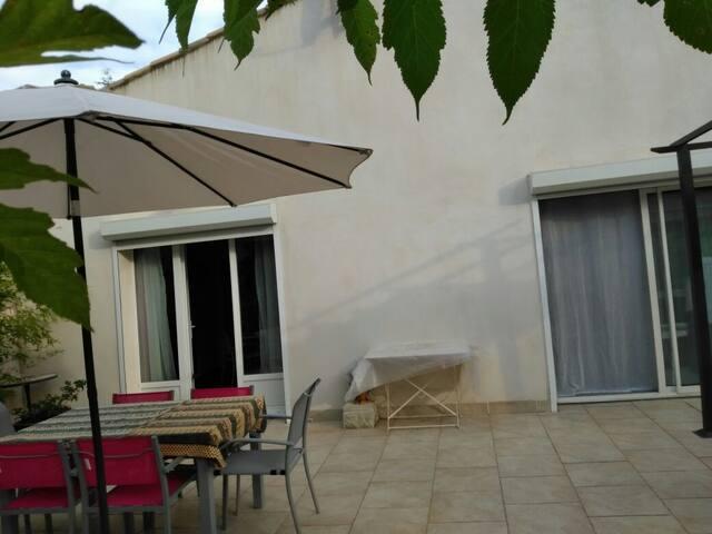 Pavillon à Villetelle 15 min des plages
