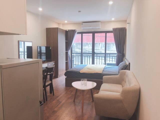 Beautiful studio with Balcony★Paradise Home Tay Ho