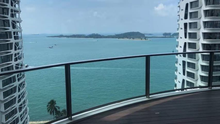 Luxury SeaView Condo @ Sentosa Island 圣淘沙岛海景高级公寓