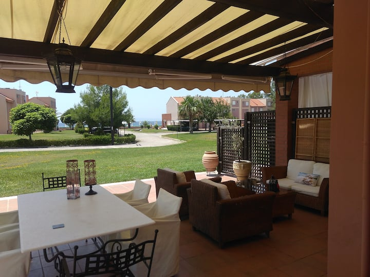 Family-friendly Beachfront Summer Paradise Villa