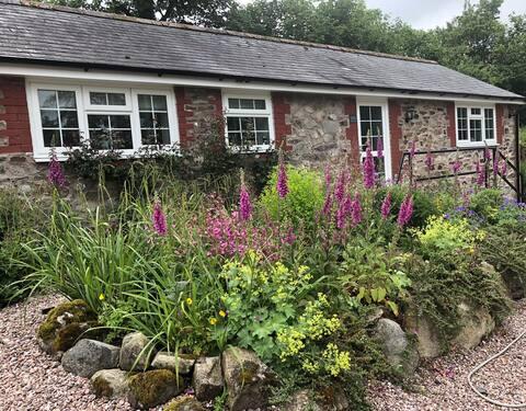 Cottage near Llansilin