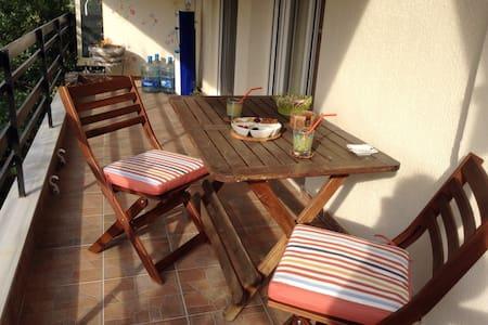 Уютная квартира у моря  до 6 гостей - Chaniotis - Apartment