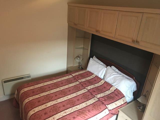 1 Bedroom ground floor flat.
