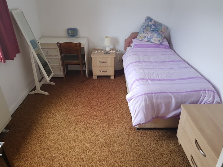 Single room with free car parking