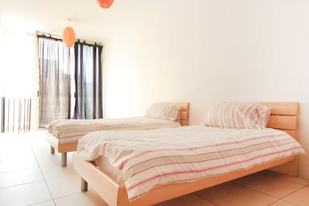 Valletta is 5 mins walk away Top Fl - Floriana - Appartement