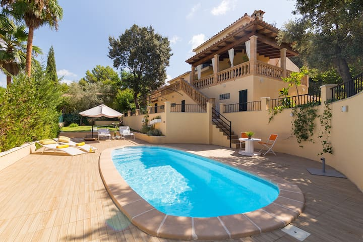Es Turonet. Beautiful villa with pool in Bunyola