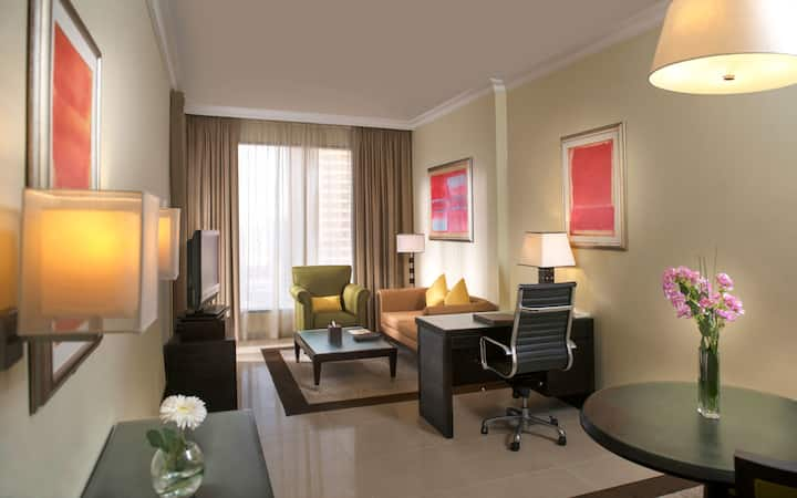 Spacious & Furnished 1 BR Hotel Apartment