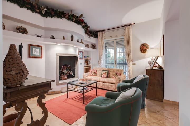 Elegante Villa Immersa nel verde - Frascati - Villa