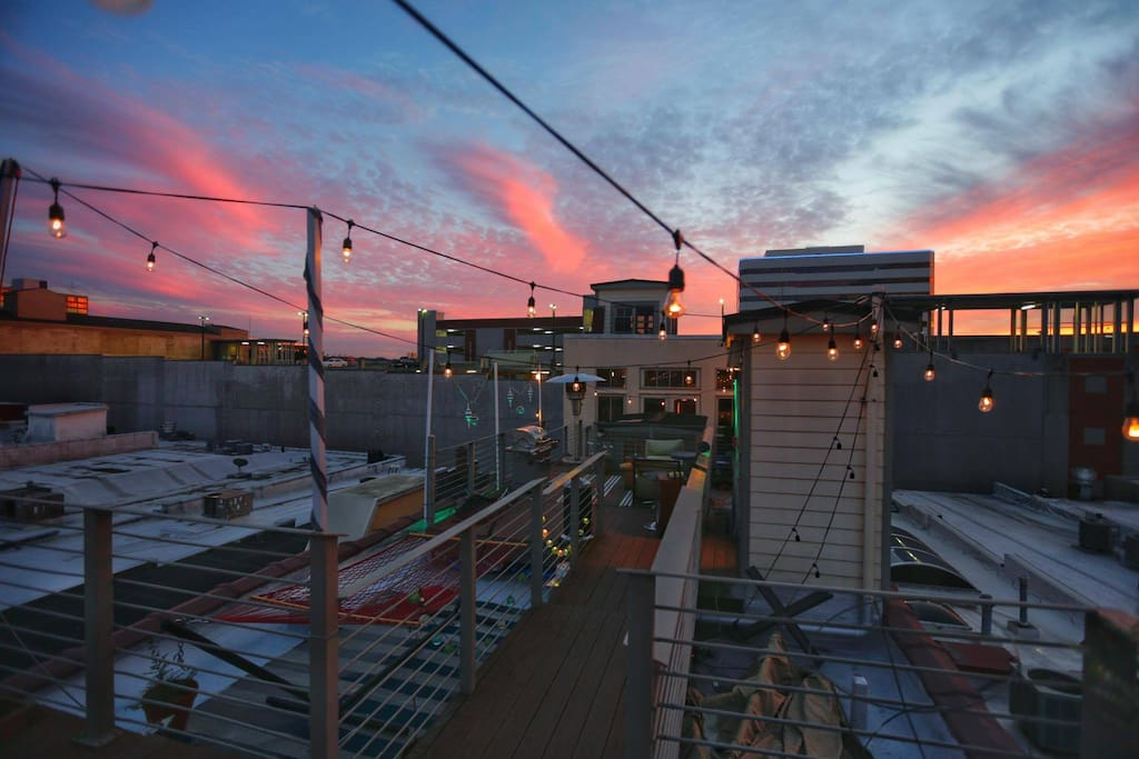 Rooftop deck looking west towards sunset