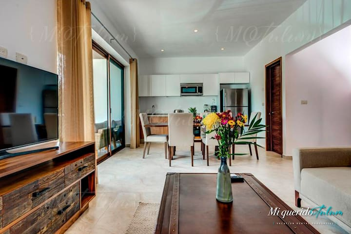 Luxury Apartment Near Beach with Rooftop & Pool