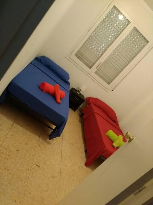 Habitación privada con dos camas