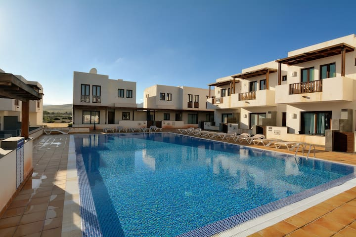Juliet Share Pool wifi ,3 bedrooms and Terrace!