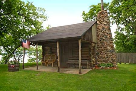 Raymond's Cabin - Spicer - 小木屋
