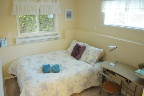 Economical stay with private living  & bathroom
