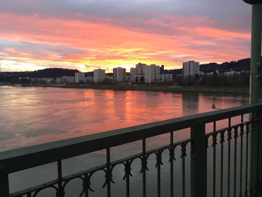 A 2 minutes walk to enjoy the beautiful sunset at the danube.