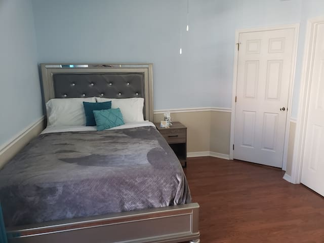 Beautiful Fully Furnished Bedroom and Bath