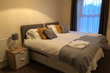 2 Bed House on Llangyfelach Road